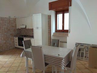 Casa autonoma di 60 mq  1 camera da letto, cucina/soggiorno, bagno, sgabuzzino