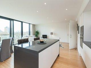 Central and spacious Quartermile apartment with City views