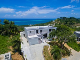 Casa de Cristal (4 bedrooms, 3 bathrooms)