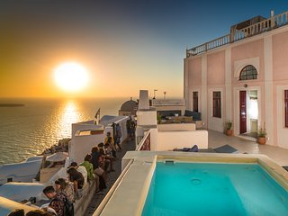 Poseidon Mansion in Santorini