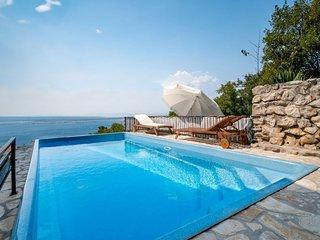 6 bedroom Villa in Klanfari, Primorsko-Goranska Županija, Croatia : ref 5039345