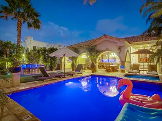 ♥ Casa Paradiso – A Private Resort Home in ♥ of the City!