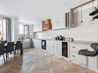 Lovely 2 bed 2 bath by Liverpool St & Spitalfields