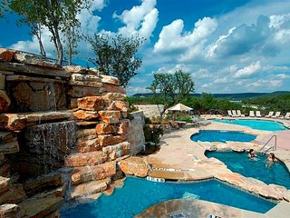 Hill Country Oasis - Unobstructed, Serene and Private Lake Travis view