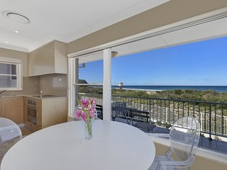 Avoca Shores - Absolute Beachfront