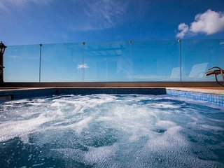 Diamond 17. Luxury 3 bedroom suite with private hot tub jacuzzi in Paphos.