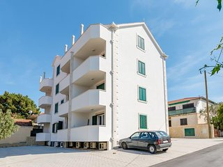 Two bedroom apartment Supetar (Brač) (A-16130-a)