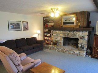 3/2 Briarcliff C-11, right where you want to be!