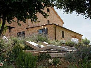 5 bedroom Villa in Filottrano, The Marches, Italy : ref 5218482