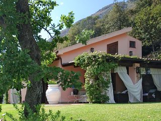 Maratea Villa Sleeps 11 with Pool Air Con and WiFi