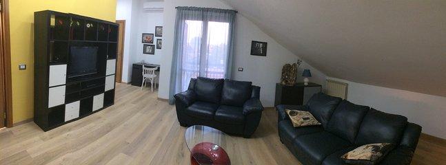 Nella vicina periferia di Napoli Mansarda ristrutturata 'Dafne Home'
