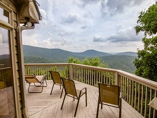 Cash View Big Canoe Mountain Home with Spectacular Views