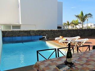 Villa Palmas, Playa Blanca, 3 bedrooms, private pool, sea views