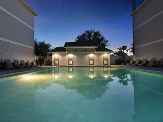 Waterside Villa | XL Pool | Steps To Beach | Pets