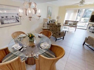 New-Refreshed Surf Court Villa! Steps to Pool & Beach, Tennis, Trails, Free WIFI