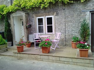 Small patio to the front of the cottage for an earlier morning cuppa or early evening glass of wine.
