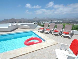 Nazaret Villa Sleeps 8 with Pool - 5825244
