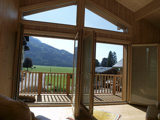 Spacious and luxurious family chalet - Samoens. Grand Massif skiing. Easy access
