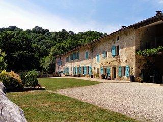 Maison Villa Piscine 20m 30°/Jacuzzi 37°/Riviere artiste