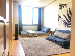 Cozy studio on the best location, best For Sight Seeing! 2 mins fr SNU station