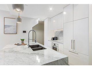 Designer living in vibrant Hawthorn East