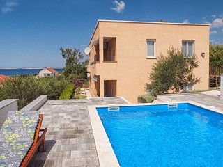 Two bedroom apartment Rtina - Stosici (Zadar) (A-12581-b)