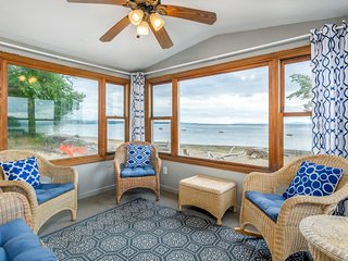 NEW LISTING! Family-friendly house on Lake Champlain w/ beach, views & WiFi