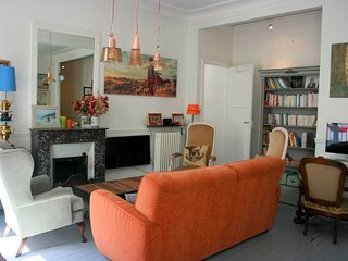 Charming apartment along the Canal Saint Martin