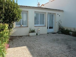 Rental Villa La Tranche-sur-Mer, 2 bedrooms, 5 persons
