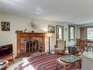 Cozy, quiet, secluded, & within a short walk to the beach