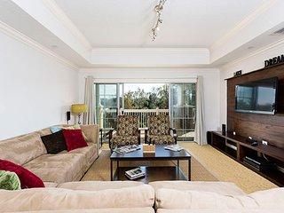 Spacious Vacation Apartment (266651)
