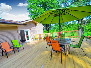*NEW LISTING | Wild Thing Lodge at DellsVacay | Spacious 5BR | Mins to Wis Dells