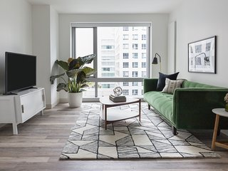 Expansive 1BR in SoMA by Sonder