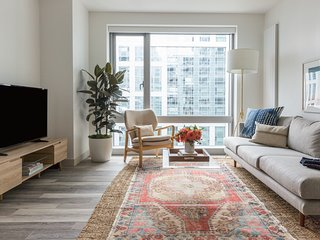 Open-Concept 1BR in SoMA by Sonder