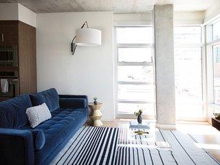 Sonder | The Sutter | Vibrant 2BR + Balcony