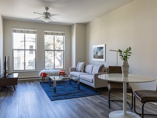 Modern 1BR in Lower Pacific Heights by Sonder