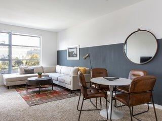 Sonder | Edgewater Terrace | Luxe 1BR + Balcony
