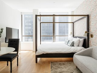 Serene Studio in FiDi by Sonder