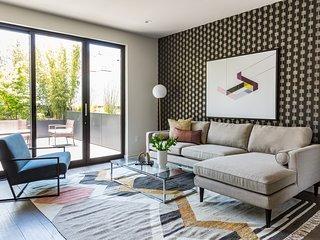 Sonder | Lombard Street | Sunny 1BR + Balcony