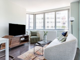 Sonder | View 34 | Sunny 1BR + Rooftop