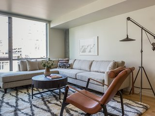 Sonder | The Sutter | Bright 1BR + Terrace
