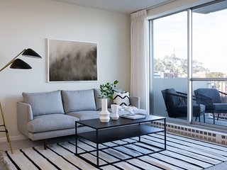 Sophisticated 2BR in Financial District by Sonder