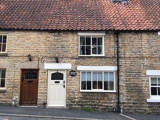 Quaint Stone Cottage, quiet location, rural outlook, beams, wood burner, garden