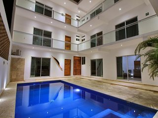 2 / ROOM WITH PRIVATE BATHROOM BY VILLAS HK28