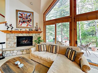 Chic Gem in Exclusive Arrowhead Village - Private Lift, Pool, Spa & Fire Pit