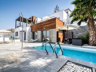 Villa Panorámico:renovated modern villa with spectacular ocean view&private pool