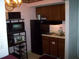 Great Gatlinburg Condo 309 with Jacuzzi Suite and Convenient Location