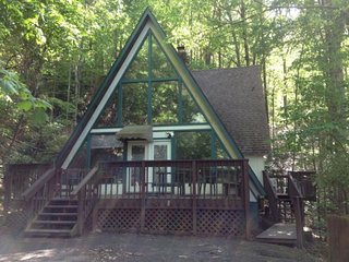 Cozy A-frame Chalet Just 2 Miles From Downtown Gatlinburg