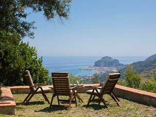 Villa La Rosaspina, with fantastic views over the bay of Cefalu