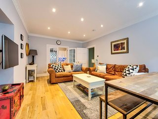 Beautifully presented West End apartment